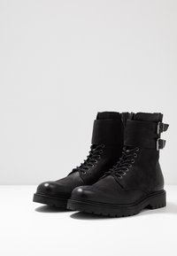 Pier One - Cowboy/biker ankle boot - black - 2