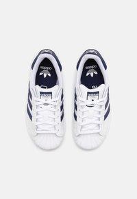 adidas Originals - SUPERSTAR UNISEX - Trainers - white/night sky - 3