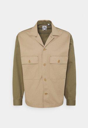 UNISEX - Light jacket - viennois/aloe