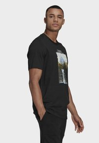 adidas Performance - MOUNTAIN TEE M - Print T-shirt - black - 2