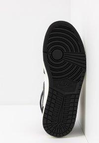 Jordan - AIR 1 MID SE - Höga sneakers - black/smoke grey/sail - 4