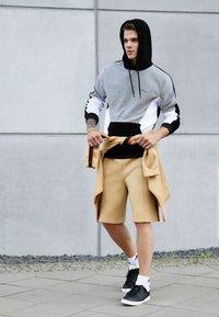 adidas Originals - LACOMBE - Trainers - core black/footwear white/chalk white - 6