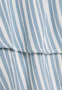 ONLY - ONLAURORA SMOCK LAYERED SKIRT - Minifalda - bright white/faded denim - 5