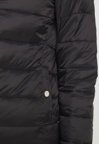 ONLY - ONLSANDIE QUILTED HOOD JACKET - Light jacket - black - 4