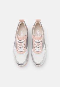 Gabor Comfort - Sneakers laag - weiß/silber/grey - 5