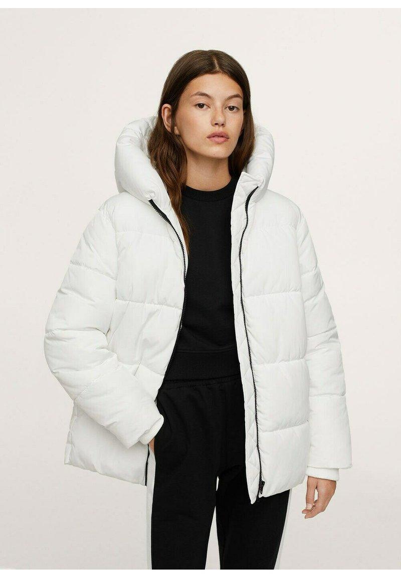 Mango - STEPP-ANORAK MIT KAPUZE - Winter coat - wit