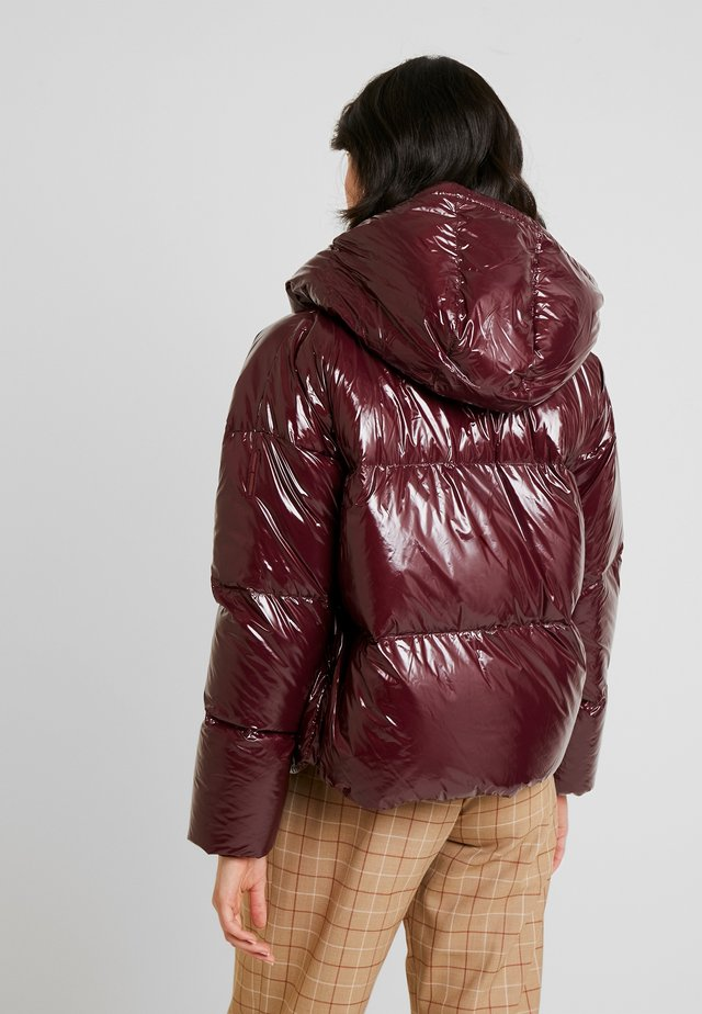 Down jacket - mahogany