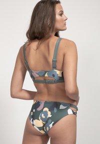 boochen - CAPARICA - Bikini top - green - 2