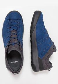 Mammut - Hiking shoes - dark surf - 1