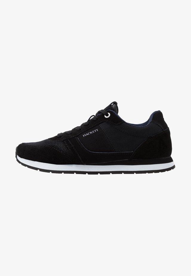 EYELET TRAINER - Sneakers basse - black