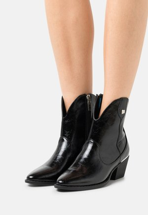 NEW OESTE - Cowboy/biker ankle boot - black