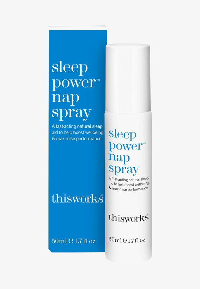 THIS WORKS SLEEP POWER™ NAP SPRAY - Moisturiser - -