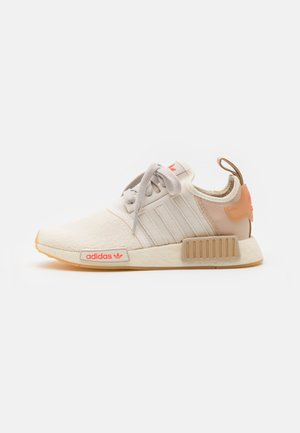 NMD_R1 UNISEX - Sneakersy niskie - core white/core brown/pale nude