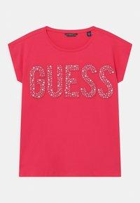 Guess - JUNIOR  - T-shirt z nadrukiem - pink - 0