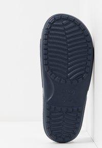 Crocs - CLASSIC SLIDE - Sandály do bazénu - navy - 6
