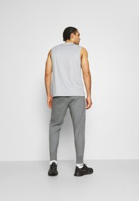 Nike Performance - DRY PANT RESTORE - Pantalones deportivos - iron grey heather/black - 2