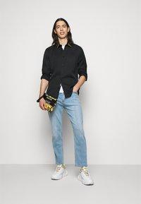 Versace Jeans Couture - BRISCOLA - Shirt - black - 1
