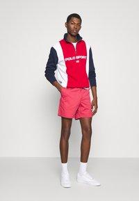 Polo Ralph Lauren - 6-INCH POLO PREPSTER TWILL SHORT - Shorts - chili pepper - 1