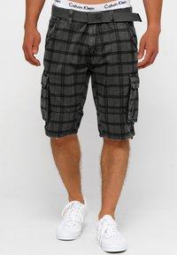 INDICODE JEANS - BLIXT - Shorts - raven check - 0