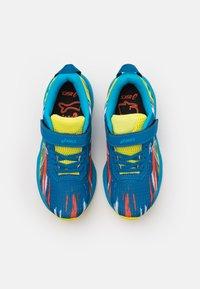 ASICS - PRE-NOOSA TRI 13 UNISEX - Zapatillas de competición - reborn blue/sour yuzu - 3