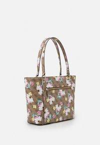 Guess - NOELLE ELITE TOTE - Tote bag - brown - 1