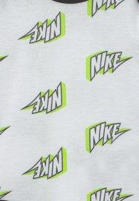 Nike Sportswear - SET UNISEX - Broek - black - 3