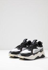 Puma - RS-X TECH - Sneakersy niskie - black/vaporous gray/white - 2