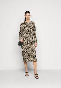PIECES Tall - PCDAGMAR DRESS - Kjole - black - 1