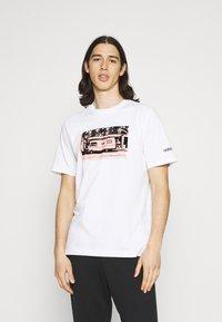 adidas Originals - PHOTO TEE - Print T-shirt - white - 0