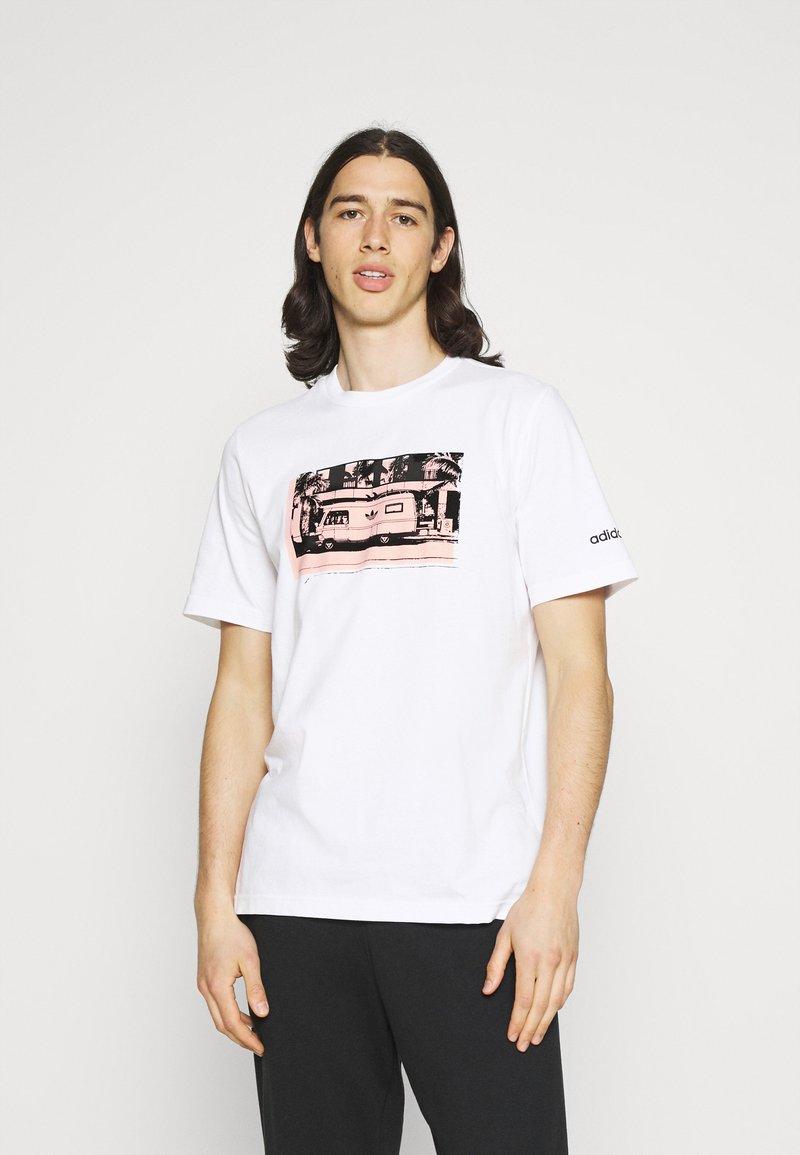 adidas Originals - PHOTO TEE - Print T-shirt - white