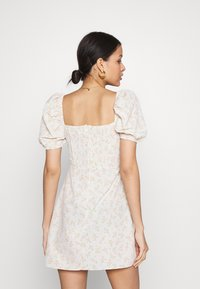 Glamorous - CARE MINI DRESSES WITH PUFF SHORT SLEEVES - Robe d'été - stone - 2