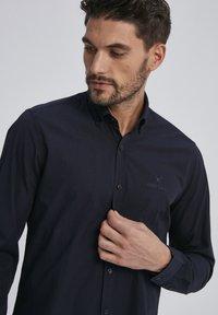 Auden Cavill - Shirt - schwarz - 2