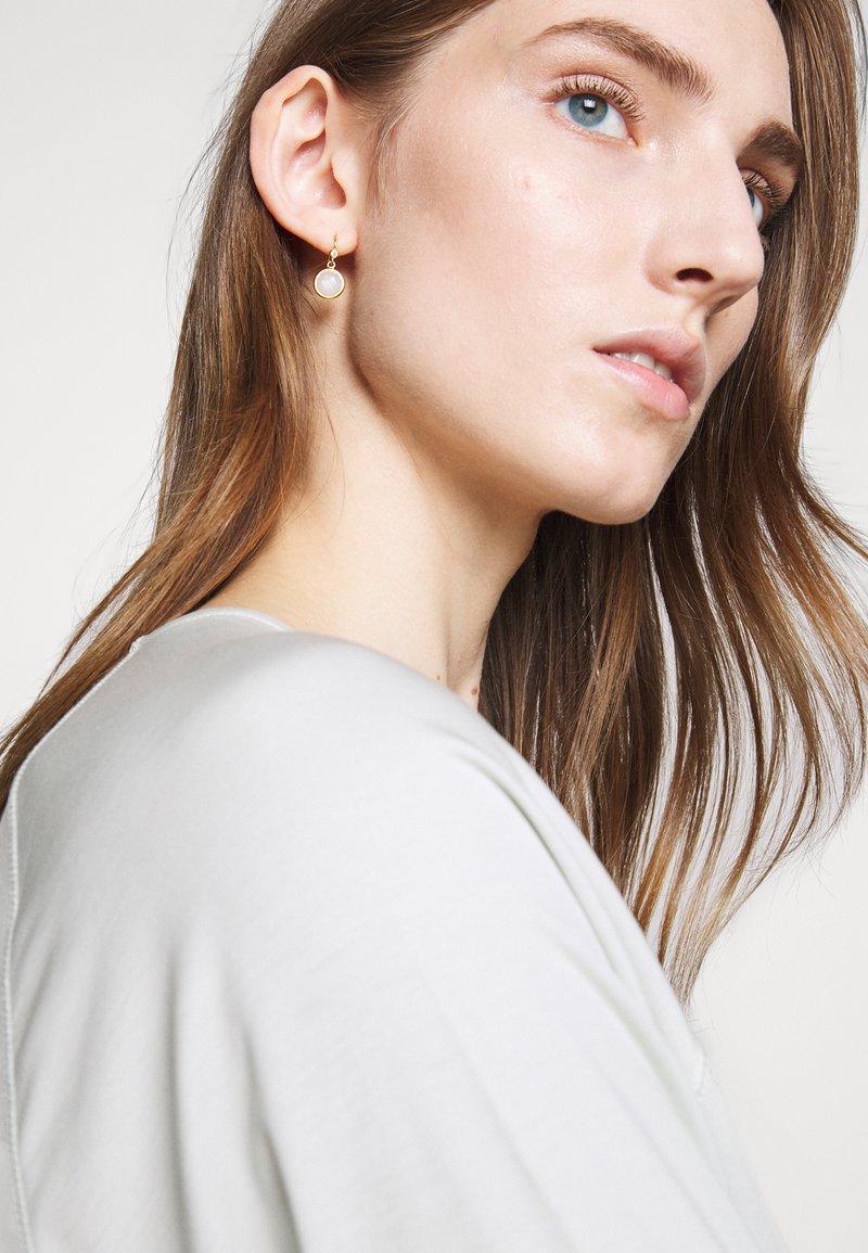 Julie Sandlau - MOONEARRINGS - Earrings - gold-coloured/white