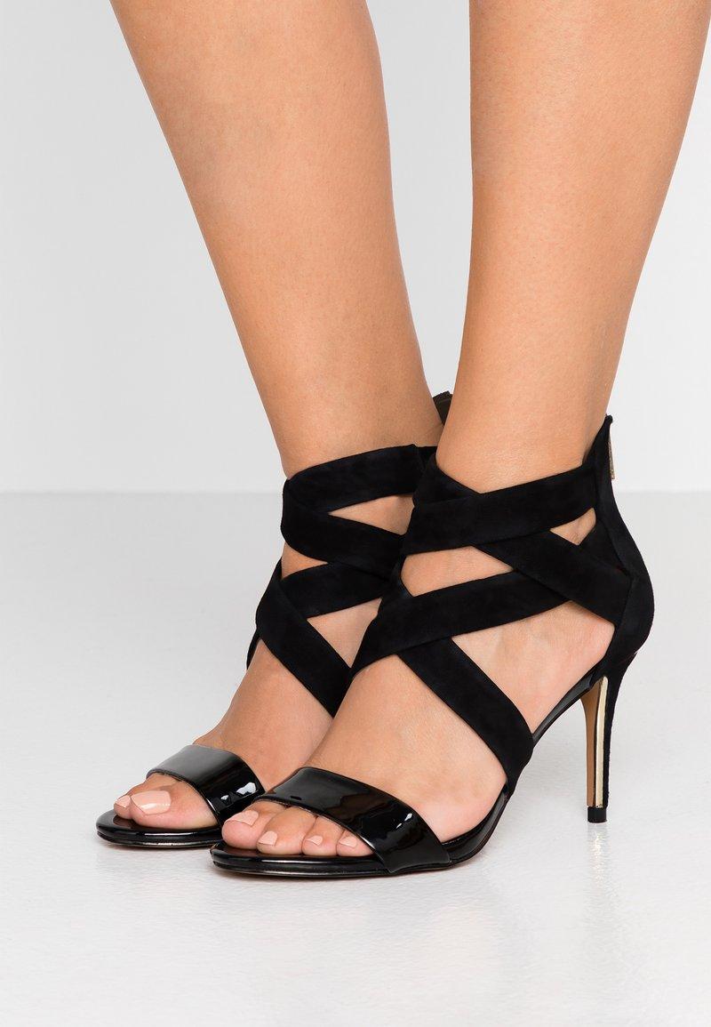 DKNY - IGGI - Sandales à talons hauts - black