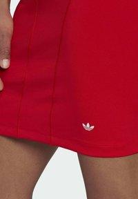 adidas Originals - Vestido ligero - vivid red - 3