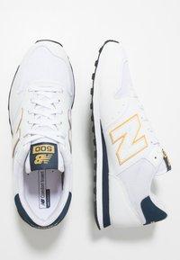 New Balance - GM500 - Tenisky - white/yellow/navy - 1