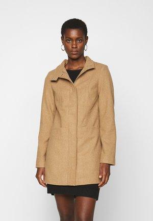 ONLCHRISA LIFE COAT  - Zimní kabát - camel
