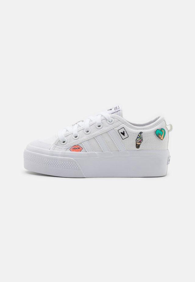 NIZZA PLATFORM UNISEX - Trainers - footwear white