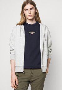 Polo Sport Ralph Lauren - SHORT SLEEVE - T-shirt con stampa - cruise navy - 3