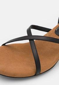 Proenza Schouler - VASE STRAPPING  - Sandals - black - 6