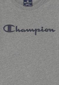 Champion - LEGACY AMERICAN CLASSICS CREWNECK - Triko spotiskem - mottled grey - 3
