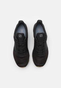 Salomon - OUTBOUND PRISM GTX - Obuwie hikingowe - black - 3