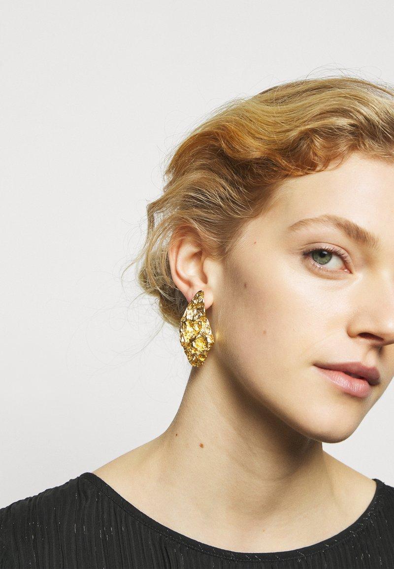 Hermina Athens - MELIES SYMMETRICAL EARRINGS - Oorbellen - gold-coloured