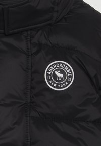 Abercrombie & Fitch - ESSENTIAL PUFFER  - Down jacket - black - 4