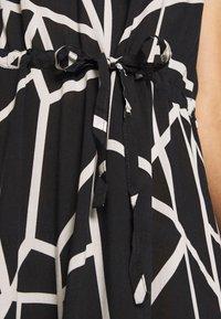 Cartoon - Maxi šaty - black/white - 6