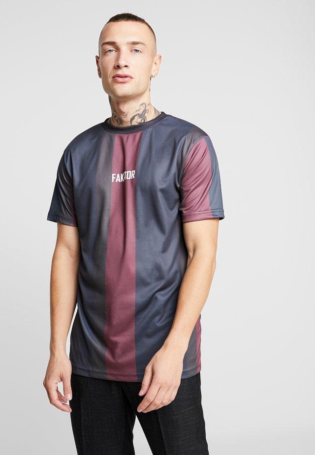 KAI STRIPE TEE - Print T-shirt - burgundy