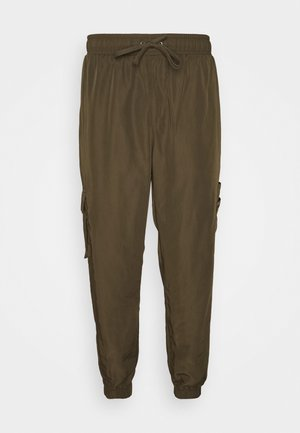 TECH POCKET TRACKPANT - Cargo trousers - olive