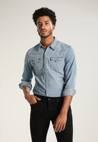 Levi's® - BARSTOW WESTERN - Shirt - red cast stone - 0