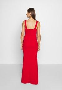 WAL G. - SLEEVLESS VNECK DRESS WITH SIDES - Vestido de fiesta - red - 2