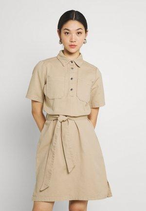 MIJASI - Skjortklänning - beige